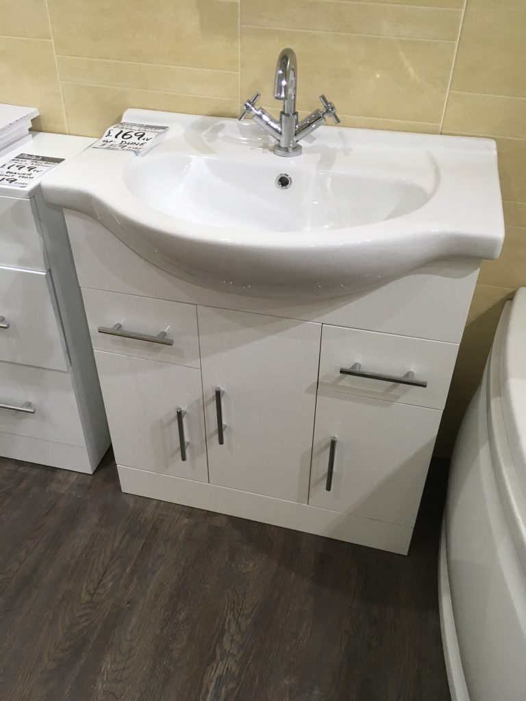 750 traditional vanity was £179, Now £140